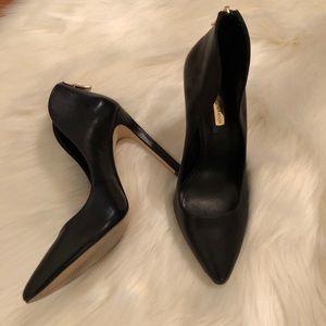 BCBGeneration goddess heels scallop in black gold